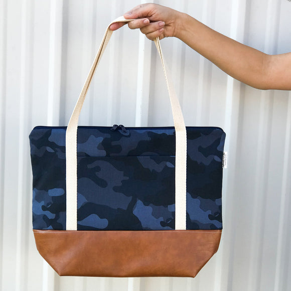 Tote Bag w/Luggage Sleeve - Navy Camo