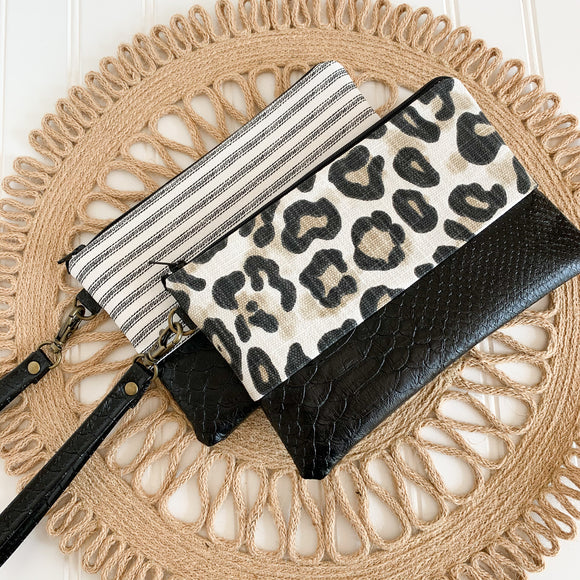 Wristlet Wallet - Black & White