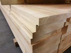 Redwood PSE Stair String (ex 38x225mm - finished 32x219mm)