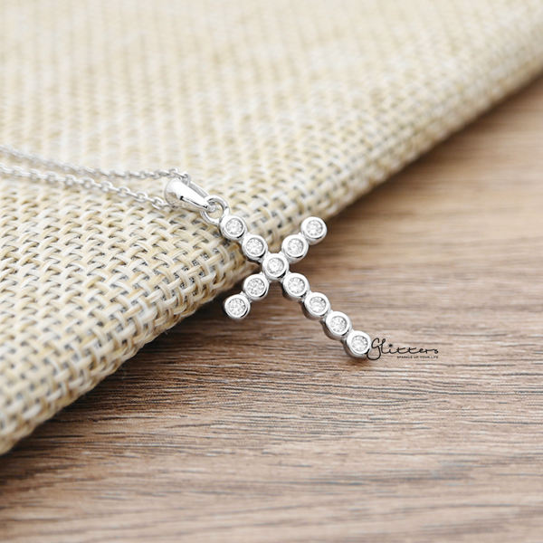 925 Sterling Silver C.Z Cross Pendant Necklace-Glitters-New Zealand