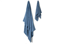 Load image into Gallery viewer, Bamboa towels made of 100% bamboo for an eco-firendly and organic home. Available in bleu.