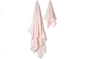 Bamboa towels made of 100% bamboo for an eco-firendly and organic home. Available in cotton candy color..