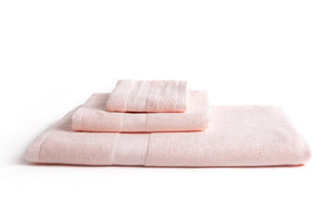 100% eco-friendly and bio-degradable Bamboo Towel. Bamboa's towel set comes in 3 pieces: a bath towel, a hand towel and a face towel. This bamboo towel set is featured in cotton candy color.