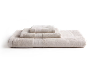 100% eco-friendly and bio-degradable Bamboo Towel. Bamboa's towel set comes in 3 pieces: a bath towel, a hand towel and a face towel. This bamboo towel set is featured in cream color.