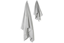 Load image into Gallery viewer, Bamboa towels made of 100% bamboo for an eco-firendly and organic home. Available in grey.