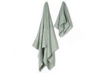 Load image into Gallery viewer, Bamboa towels made of 100% bamboo for an eco-firendly and organic home. Available in green.