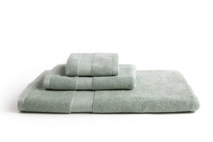 100% eco-friendly and bio-degradable Bamboo Towel. Bamboa's towel set comes in 3 pieces: a bath towel, a hand towel and a face towel. This bamboo towel set is featured in green.