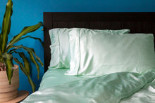 Load image into Gallery viewer, SILKY BLISS - Bamboo Duvet Cover
