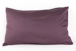 Bamboa's bamboo pillowcase made from bamboo fibers are the eco-friendly choice for your bed. Available in purple color.