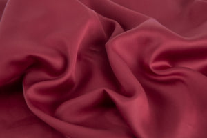 Bamboa's bamboo pillowcase made from bamboo fibers are the eco-friendly choice for your bed. Available in Bordeaux color.
