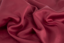 Load image into Gallery viewer, Bamboa's bamboo pillowcase made from bamboo fibers are the eco-friendly choice for your bed. Available in Bordeaux color.