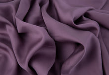 Load image into Gallery viewer, Bamboa's bamboo pillowcase made from bamboo fibers are the eco-friendly choice for your bed. Available in purple color.
