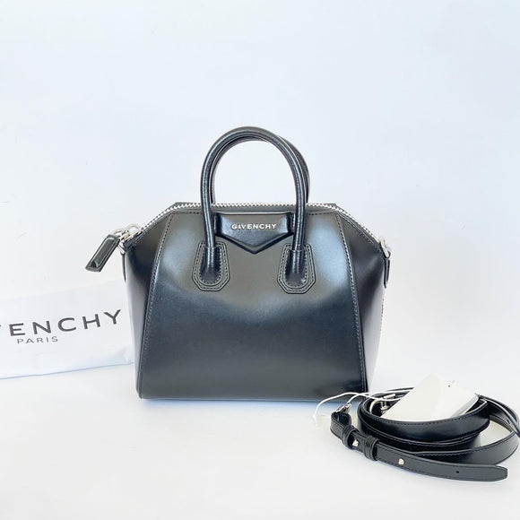 GIVENCHY MINI ANTIGONA IN BLK SMOOTH LEATHER