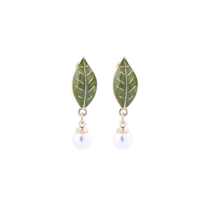Leaf & Pearl Drop Earring