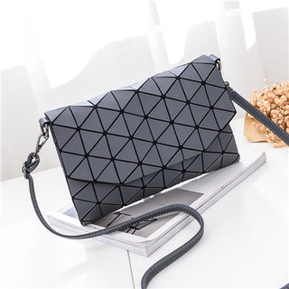 2018 new small solid plaid geometric lingge envelope handbag