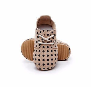 Polka dots hard rubber sole leather shoes
