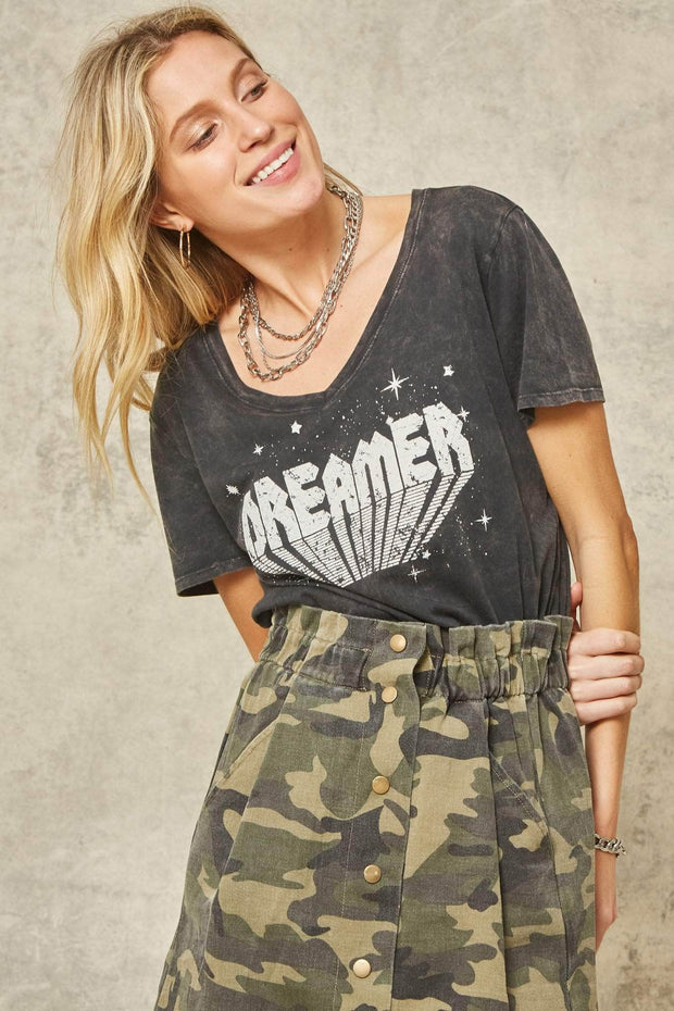 Dreamer Angel Wings Stone-Washed Graphic Tee - ShopPromesa