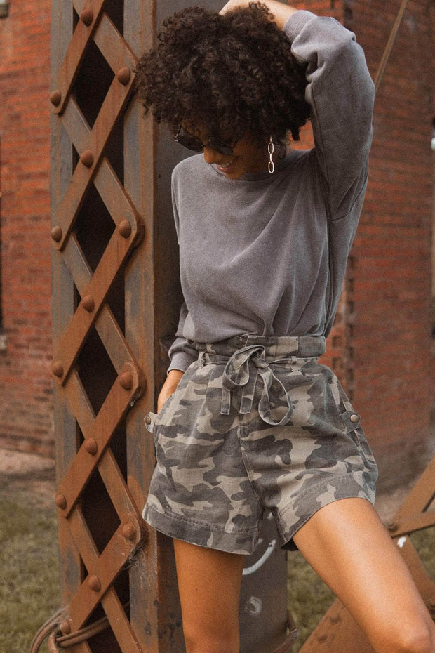 Love Army Belted Camouflage Wide-Leg Shorts - ShopPromesa