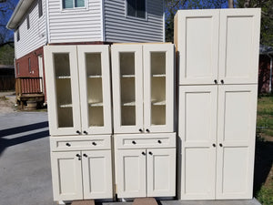Nearly New Soft-Close Creme Cabinets w/ Seeded Glass Uppers!
