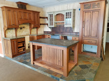 Antiqued/ Distressed Cherry Showroom Set w/ HIGH-END Features!