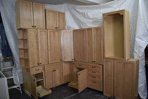 Glazed Shaker Maple Kitchen with Dovetailed Drawers and Rollout Trays