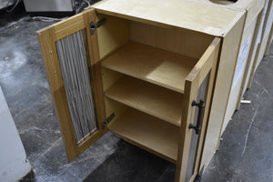 Like-New Frameless Shaker Island w/ Soft-close Dovetailed Drawers and Plywood Boxes