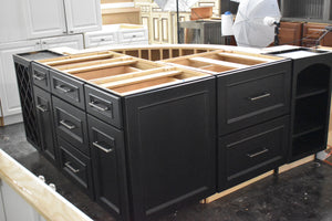 Like-New Showroom Island with Softclose Dovetailed Drawers and Rollout Trays