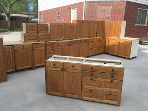 Large Frameless Kitchen Cabinet Set w/ Pullouts!-$1350