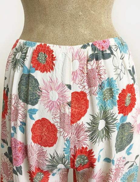 Ivory Colorful Mum Print 1930s Style Contrast Louise Lounge Capri