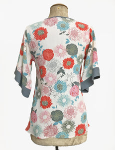 Ivory Colorful Mum Print V-Neck Kimono Top
