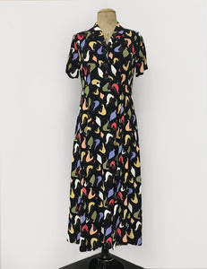 1940s Vintage Tea Length Short Sleeve Day Dress in Black & Colorful Pollo Loco Print