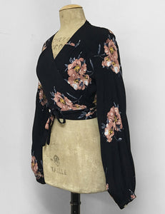 Black & Peach Dogwood Floral Print Drama Sleeve Babaloo Tie Crop Top