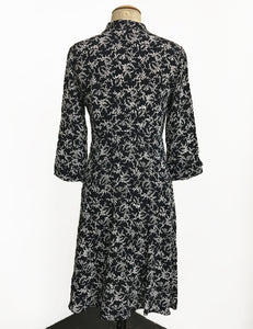 1940s Style Black & White Bougainvillea Sleeved Vintage Day Dress