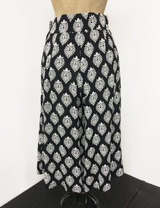 Black & White Turtle Stamp Retro High Waisted Wide Leg Culottes - FINAL SALE