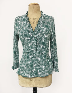 Green & White Fern Print Ruffle Fitted Femme Blouse