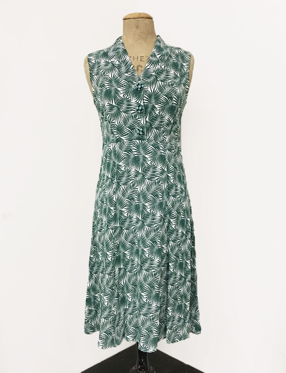 Green Tropical Fern Print Sleeveless Knee Length Vintage Dress