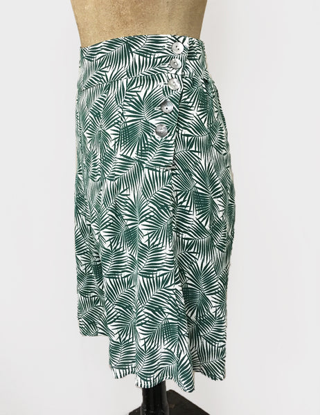 Green & White Fern Print High Waisted Retro Shorts