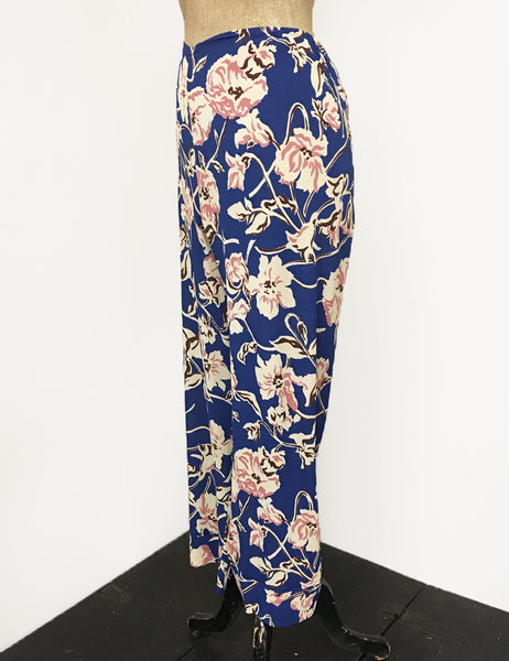 Blue Deco Floral Print Louise Lounge Capri Pants