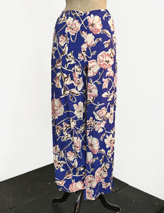 Blue Deco Floral Print Louise Lounge Capri Pants - FINAL SALE
