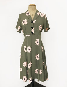 Army Green Daisy Print Short Sleeve Vintage Day Dress