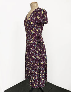 Colorful Purple Feathers Biasa Sweetheart Wrap Dress