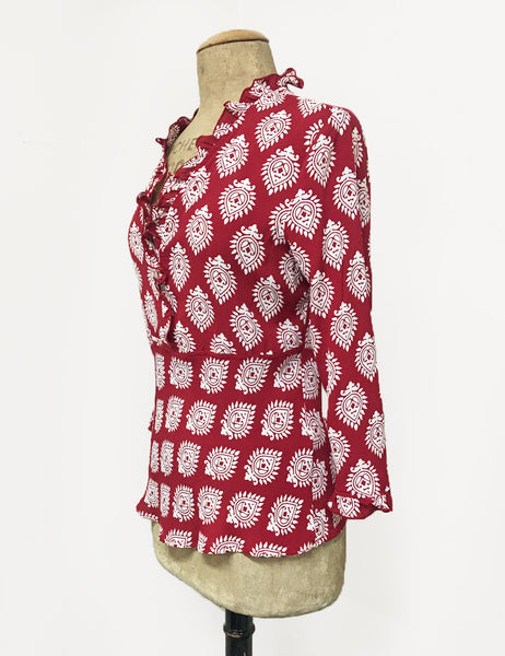 Red & White Turtle Stamp Print Ruffle Fitted Femme Blouse