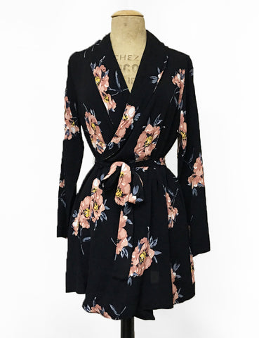 Black & Peach Dogwood Floral Shawl Collar Kimono Robe