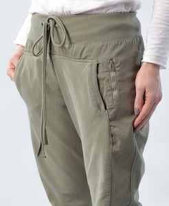 Suzy D Ultimate Jogger Olive