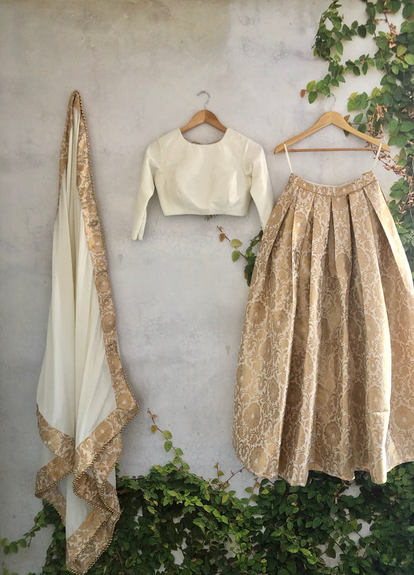 Ivory Pleats & Brocade