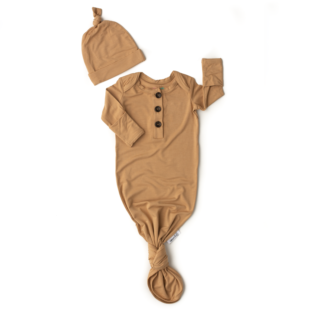 Gigi and Max - Camel knotted button newborn gown and hat
