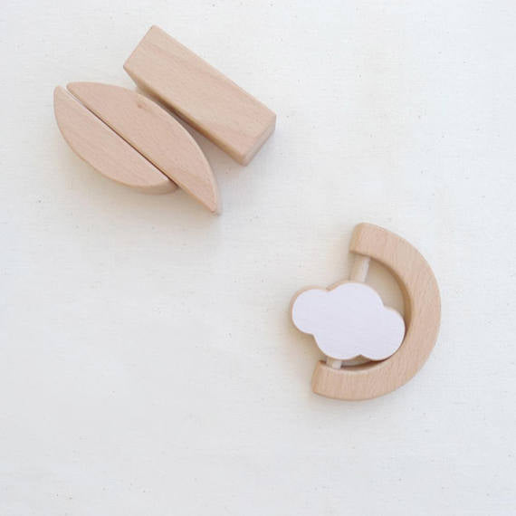 The Wandering Workshop Wooden baby teether & rattle - Cloud