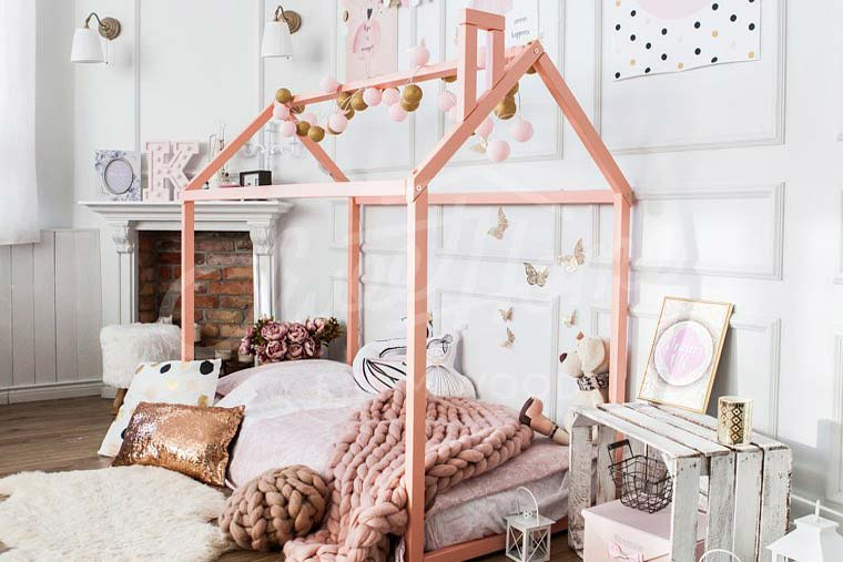 baby girl pink interior - sweet home from wood