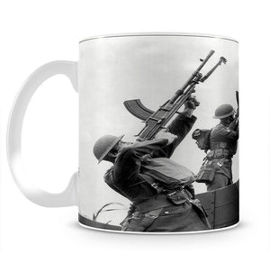 Battalion with anti-aircraft guns Mug - Canvas Art Rocks - 2