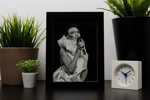 Grace Jones singing Framed Print - Canvas Art Rocks - 2